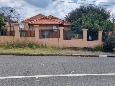 Property For Sale in Orange Grove, Johannesburg